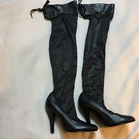 630051c7250 Colin Stuart Victoria s Secret Thigh High Boots. M 5bc595395c4452db30437466